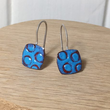 square drop earrings with circle pattern