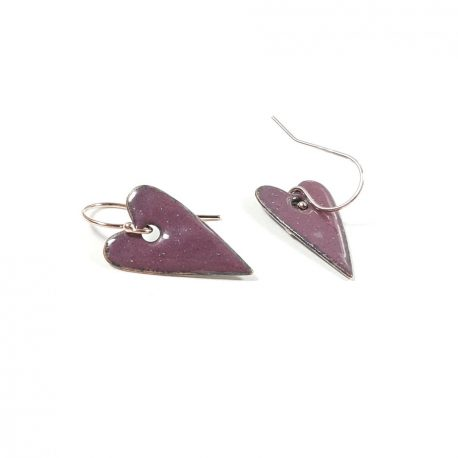 Romantic heart drop earrings in a range of colours in enamel. The elongated primitive heart shape is 2cm long and is hung from a rose gold ear wire. Due to the nature of kiln fired enamel there may be slight variations in colour but that is intrinsic to the creative appeal of this type of jewellery. All of MyCherryPie Jewellery is delivered gift ready in a 100% recyclable gift box.