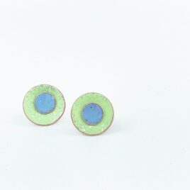 Duo enamel studs in leaf green and pale blue.
