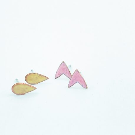 Seedling copper enamel  stud pack in pink and caramel.