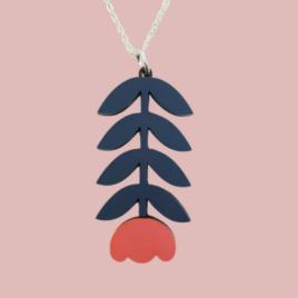 Sanna – Scandinavian folk inspired pendant coral