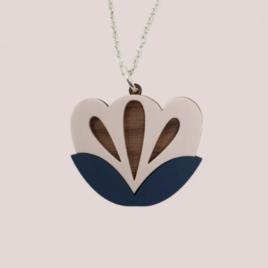 Freyja – Scandinavian folk inspired pendant pale pink